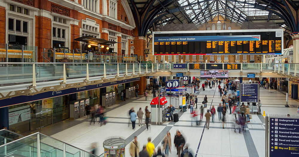 Time lapse of interior foyer, Liverpool Street Station, London, England, United Kingdom, Europe