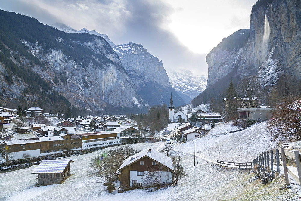 Church at Lauterbrunnen, Jungfrau region, Bernese Oberland, Swiss Alps, Switzerland, Europe