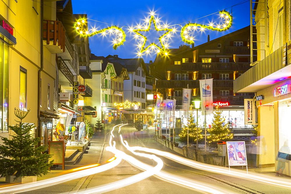 Dorfstrasse in Wengen, Jungfrau region, Bernese Oberland, Swiss Alps, Switzerland, Europe
