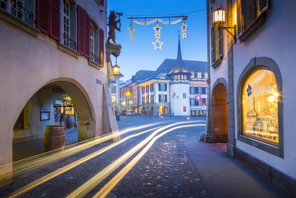 Rathausplatz, Thun, Jungfrau region, Bernese Oberland, Swiss Alps, Switzerland, Europe