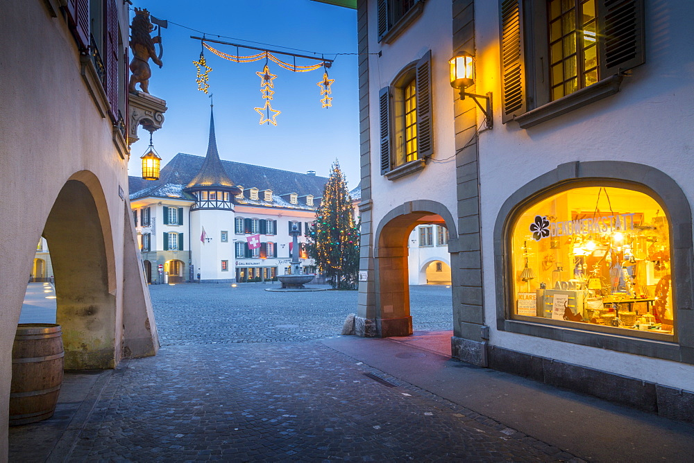 Christmas Tree in Rathausplatz, Thun, Jungfrau region, Bernese Oberland, Swiss Alps, Switzerland, Europe
