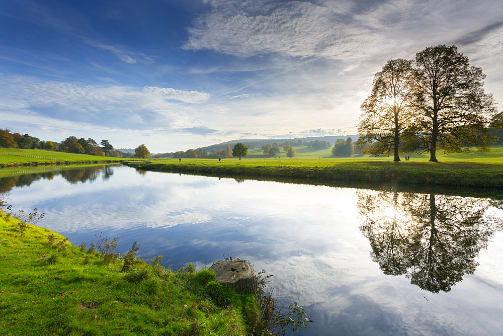 River Derwent in Chatsworth Park, Peak District National Park, Derbyshire, England, United Kingdom, Europe