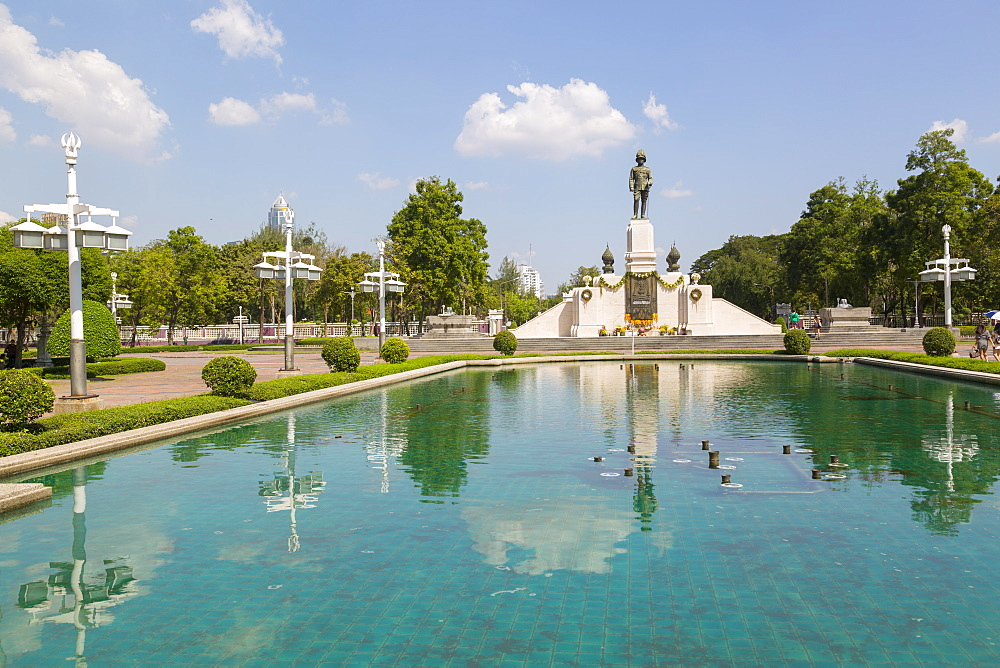 King Rama IV in Lumphini Park, Ratchadamri Road, Bangkok, Thailand, Southeast Asia, Asia