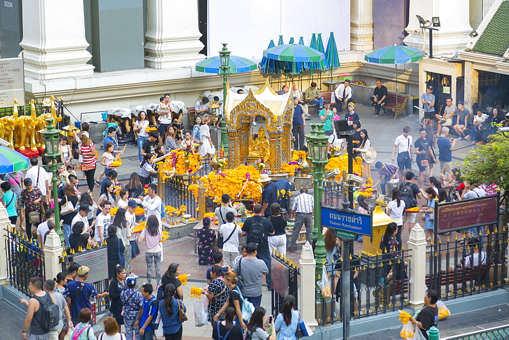 Erawan Shrine on Ratchadamri Road, Bangkok, Thailand, Southeast Asia, Asia