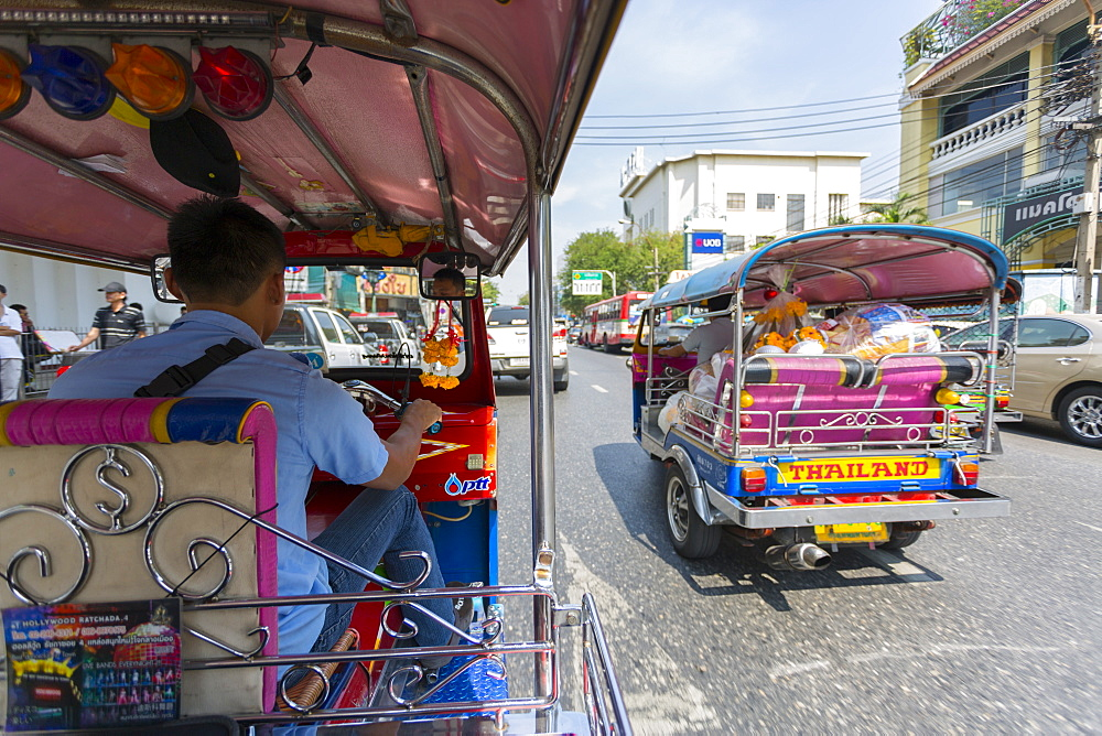 Tuk Tuk ride through Bangkok, Bangkok, Thailand, Southeast Asia, Asia
