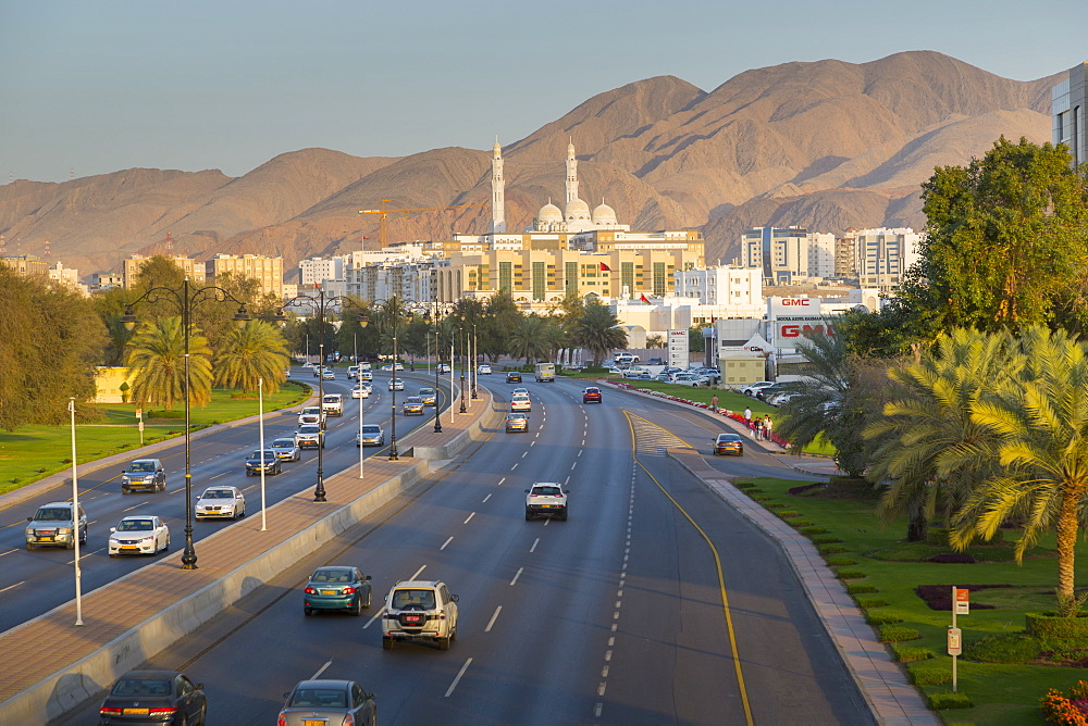 Mohammed Al Ameen Mosque and traffic on Sultan Qaboos Street , Muscat, Oman, Middle East, Asia