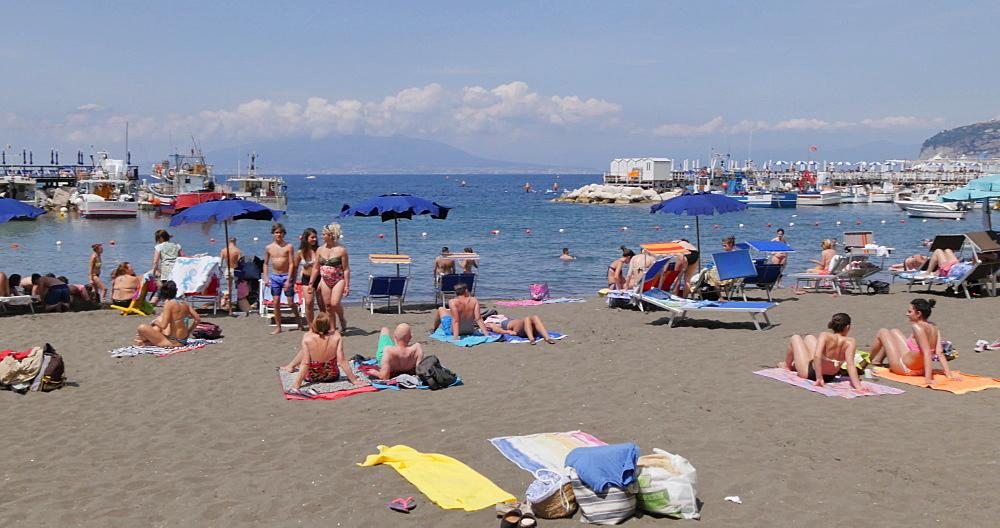 Beach in Marina Grande, Sorrento, Costiera Amalfitana (Amalfi Coast), UNESCO World Heritage Site, Campania, Italy, Europe