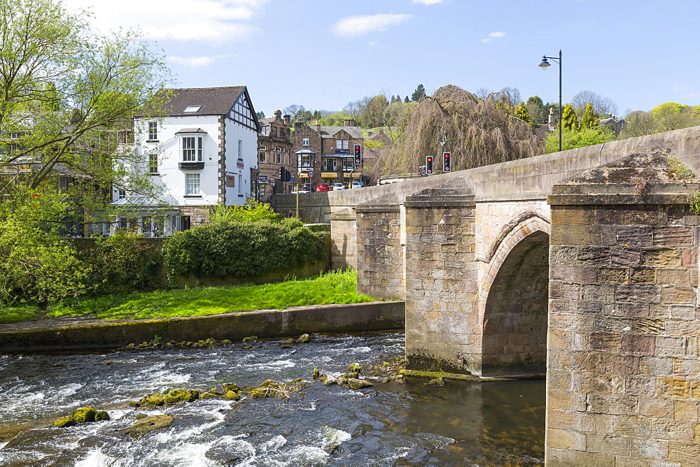 The bridge over the River Derwent, Matlock Town, Derbyshire Dales, Derbyshire, England, UK, Europe - 844-12751