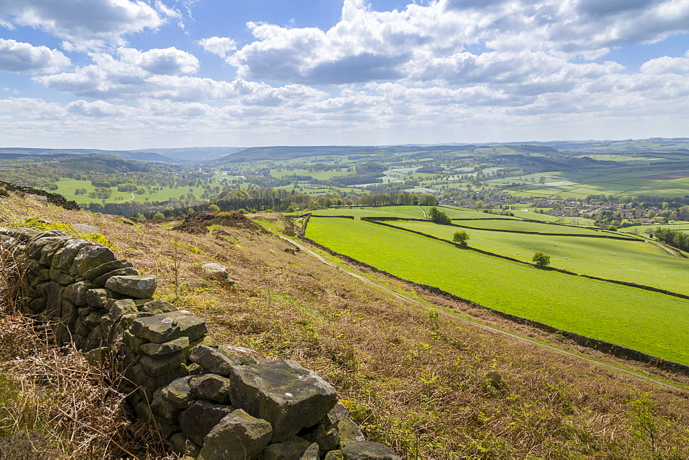 View from Baslow Edge towards Baslow Village and Chatsworth Park, Derbyshire Dales, Derbyshire, England, United Kingdom, Europe