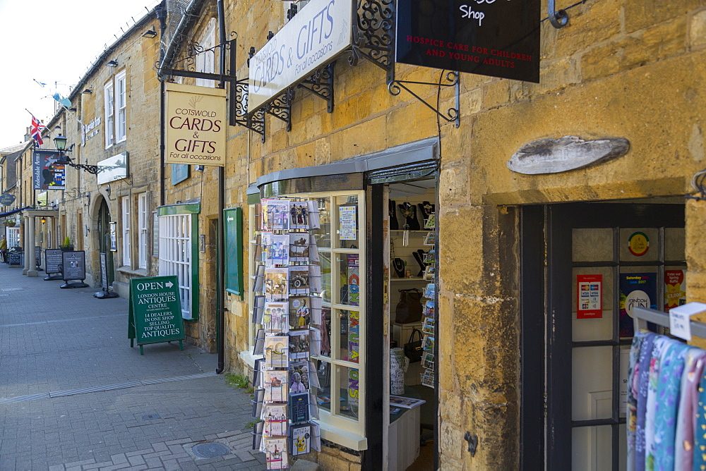 High Street antique and souvenir shops, Moreton in Marsh, Cotswolds, Gloucestershire, England, UK, Europe - 844-12769