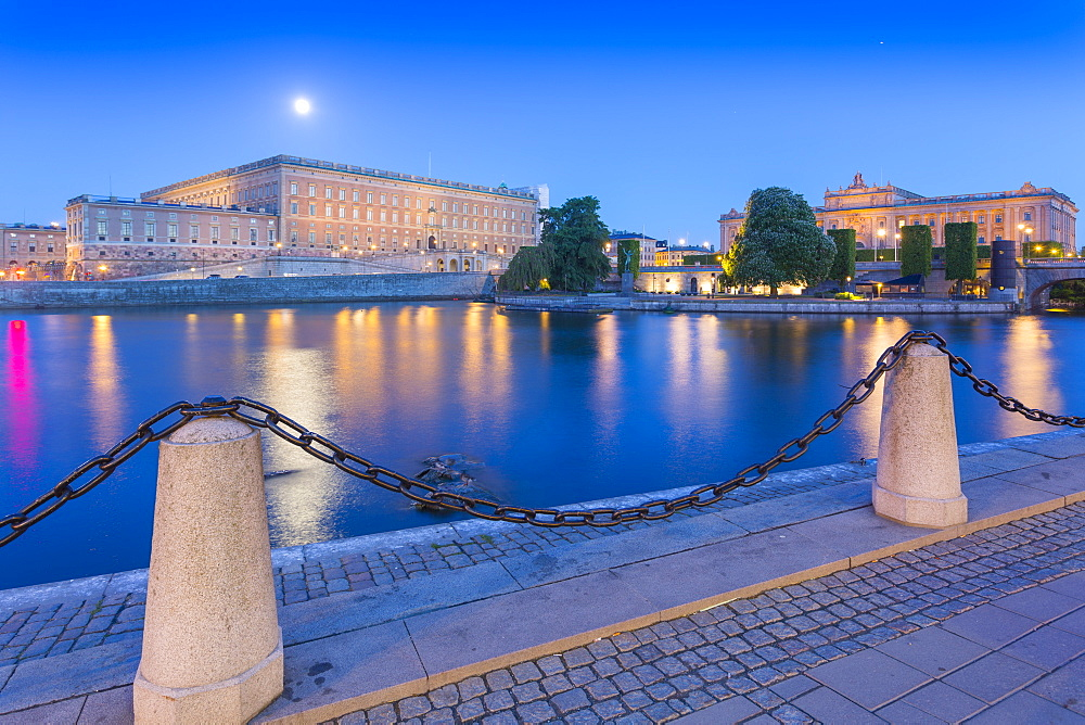 The Royal Palace at dusk, Gambla Stan, Stockholm, Sweden, Scandinavia, Europe - 844-13446