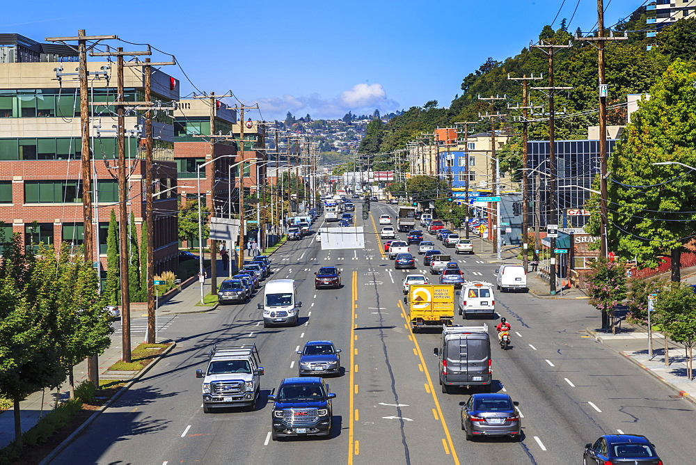 Traffic on Elliott Avenue toward the Queen Anne District, Seattle, Washington State, United States of America, North America