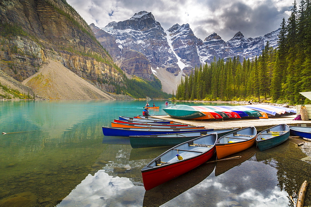 Tranquill setting of rowing boats on Moraine Lake, Banff National Park, Canadian Rockies Alberta, Canada, North America - 844-14382