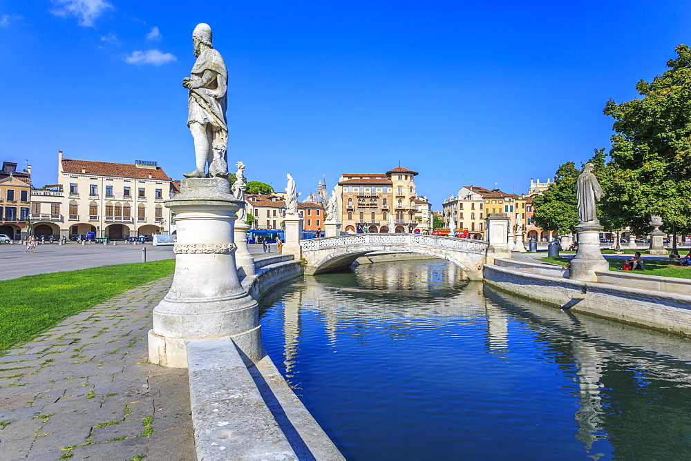 View of statues in Prato della Valle and Saint Anthony of Padua Basilica, Padua, Veneto, Italy, Europe