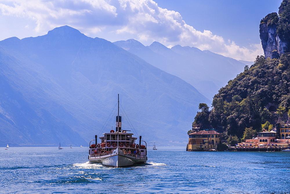 View of ferry boat on Lake Garda near Riva del Garda, Riva del Garda, Lake Garda, Trentino, Italy, Europe