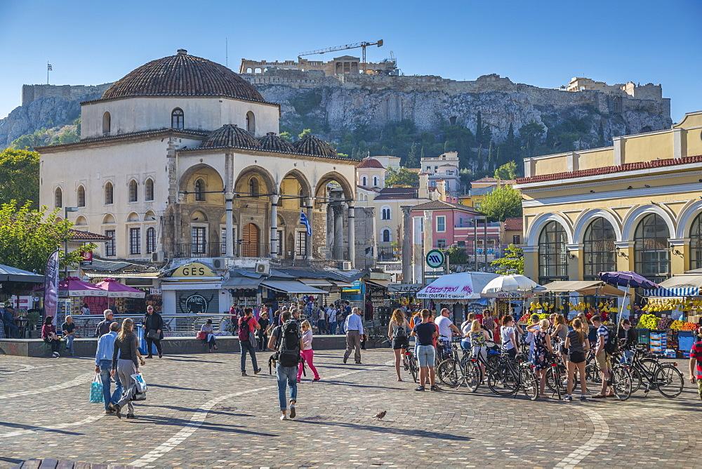 View of Monastiraki Square with The Acropolis visible in the background, Monastiraki District, Athens, Greece, Europe