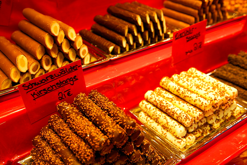 Chocolate stall at the Christmas Market, Dortmund, North Rhine-Westphalia, Germany, Europe