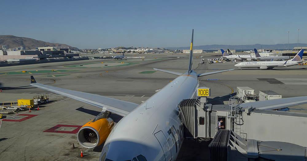 Time Lapse of aeroplane activity at San Francisco Airport, San Francisco, California, USA, North America