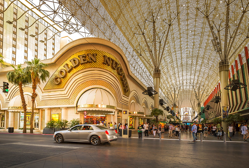 The Golden Nugget in the Fremont Street Experience, Downtown, Las Vegas, Nevada, USA, North America