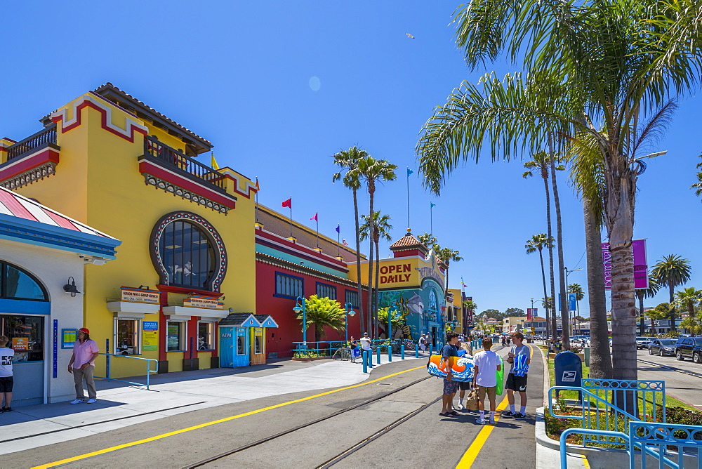 View of Santa Cruz Beach entrance on promenade, Santa Cruz, California, United States of America, North America - 844-16951