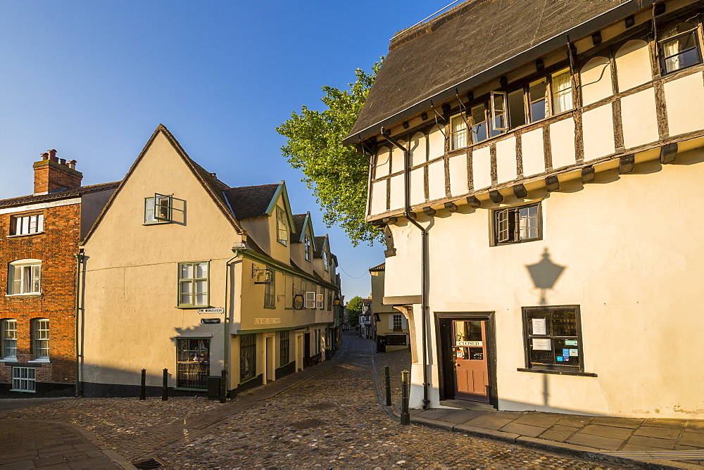 View of Elm Hill cobbled street and architecture, Norwich, Norfolk, England, United Kingdom, Europe