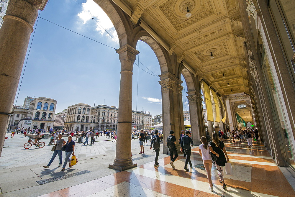 View of the shoppers in Piazza Del Duomo, Milan, Lombardy, Italy, Europe