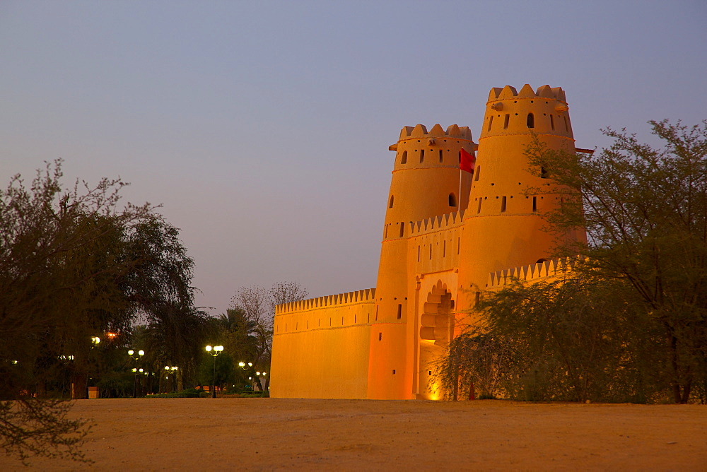 Al Jahili Fort at dusk, Al Jahili Park, Al Ain, Abu Dhabi, United Arab Emirates, Middle East