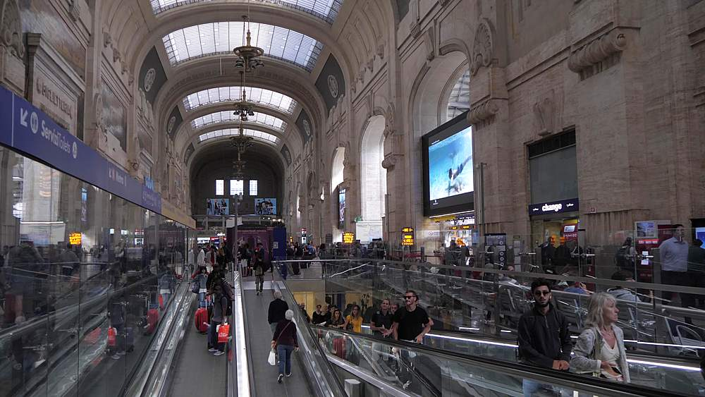 Panning shot of interior of foyer of Central Station, Milan, Lombardy, Italy, Europe - 844-18708