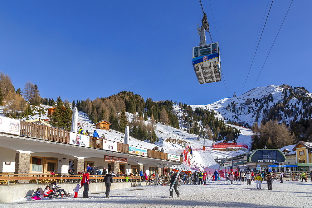 Cable car and ski village at Pecol in winter, Canazei, Val di Fassa, Trentino, Italy, Europe