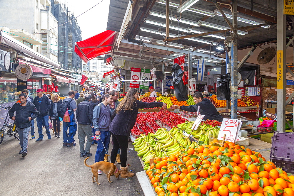 View of fruit stall in Had veHalak Market on Ha Carmel Street, Tel Aviv, Israel, Middle East