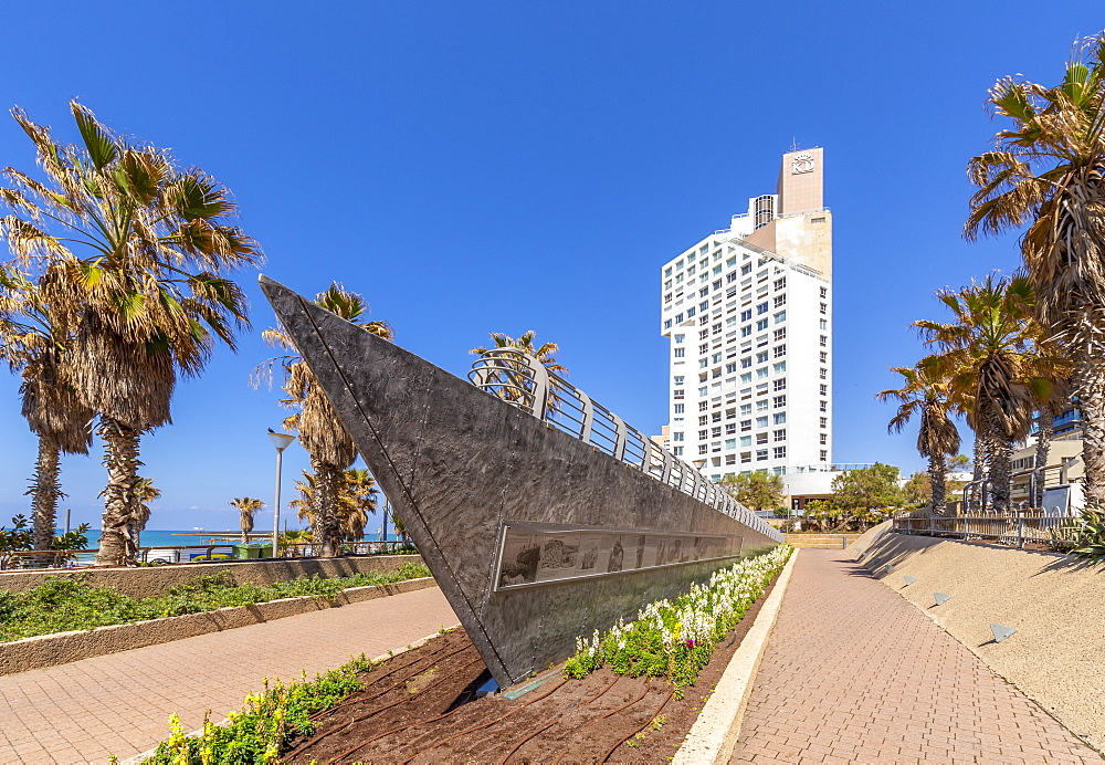 View of public garden commemorating first migrants who reached Israel by sea, London Square, Jaffa, Tel Aviv, Israel, Middle East