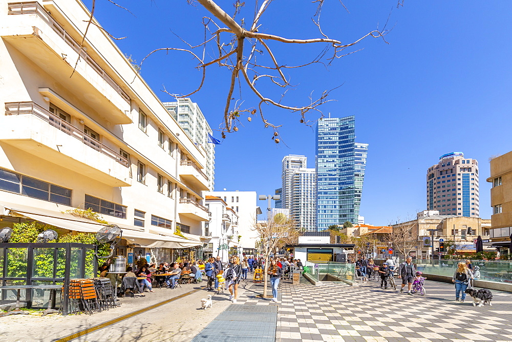 View of bar cafe and walkway on Rothschild Boulevard, Tel Aviv, Israel, Middle East