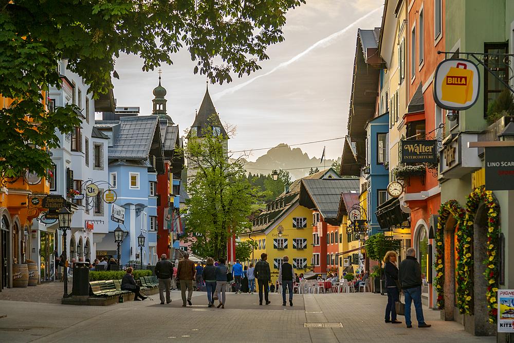 View of visitors taking an evening walk on Vorderstadt, Kitzbuhel, Austrian Tyrol Region, Austria, Europe