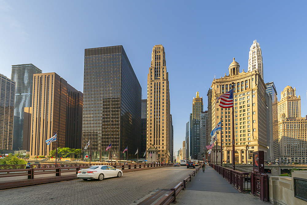 Early morning view of skyscrapers and traffic on DuSable Bridge, Chicago, Illinois, United States of America, North America