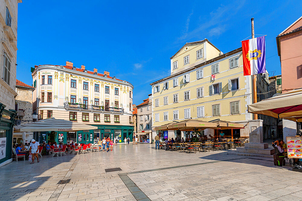 View of bars and cafes in People's Square or Pjaca, Split, Dalmatian Coast, Croatia, Europe