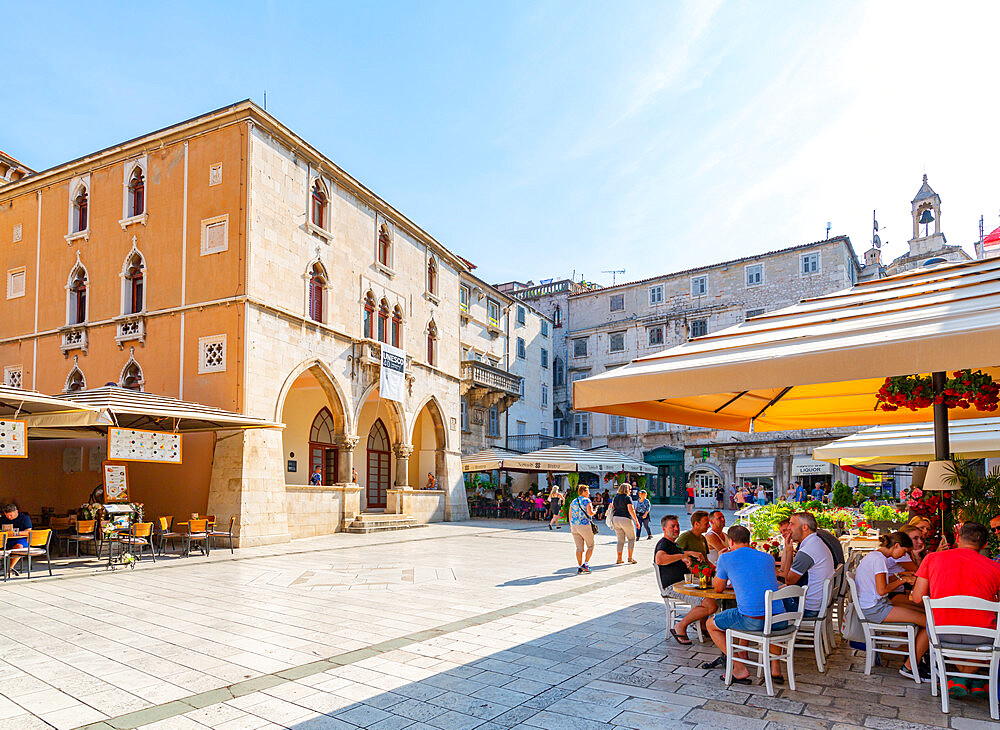 View of Town Hall and cafes in People's Square or Pjaca, Split, Dalmatian Coast, Croatia, Europe