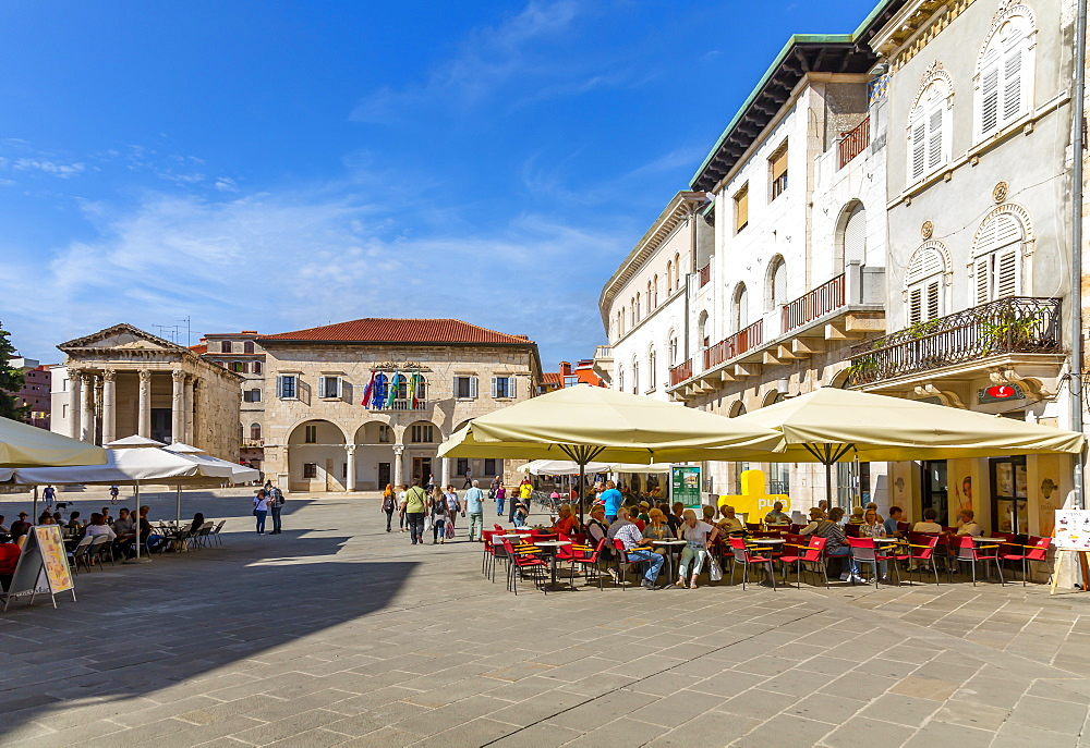 View of the cafe restaurant in Forum Square, Pula, Istria County, Croatia, Adriatic, Europe