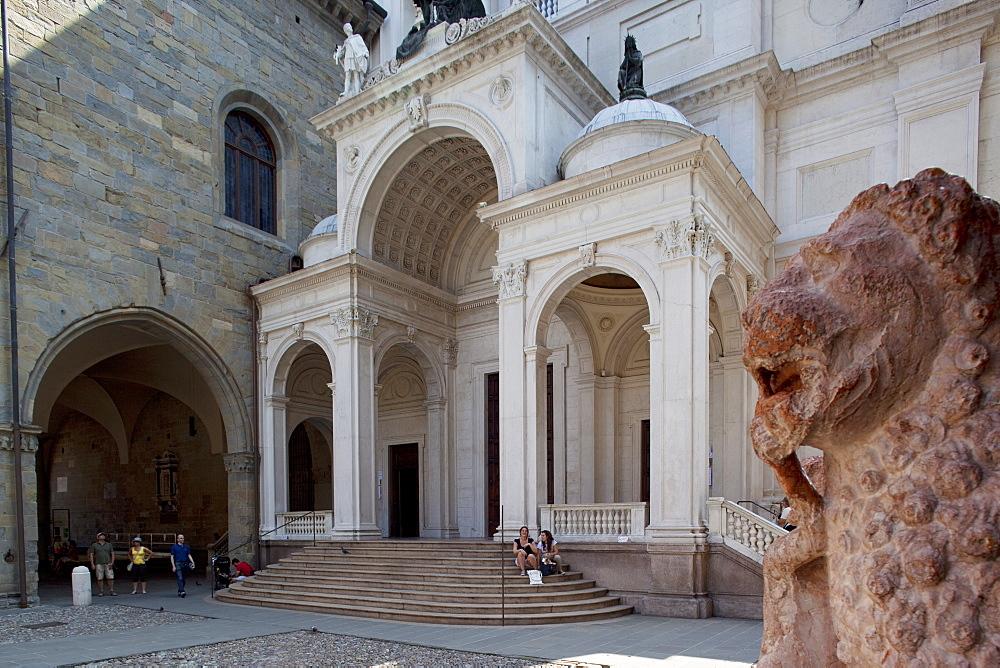 Palazzo Della Ragione, Piazza Vecchia, Bergamo, Lombardy, Italy, Europe