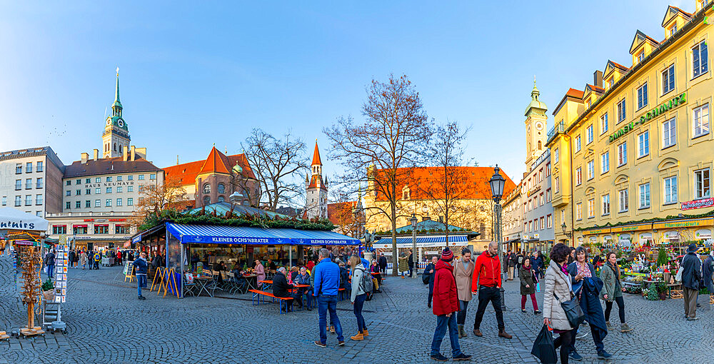 View of Viktealienmarkt Christmas Market, Munich, Bavaria, Germany, Europe