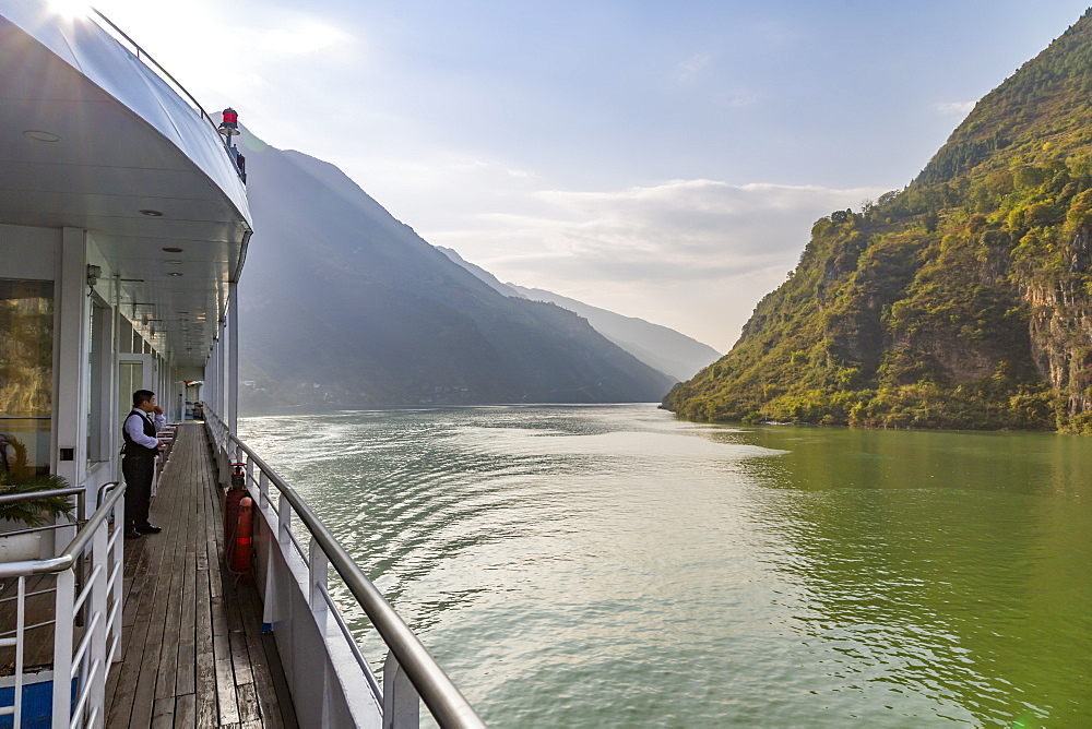 View of the Three Gorges from cruise boat on the Yanktze River from cruiseboat, People's Republic of China, Asia