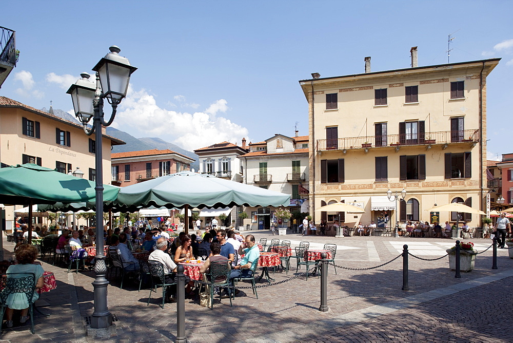 Piazza and cafe, Menaggio, Lake Como, Lombardy, Italy, Europe