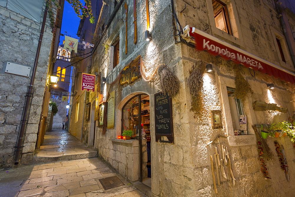 Restaurant in Korcula Town, Korcula, Dalmatia, Croatia, Europe