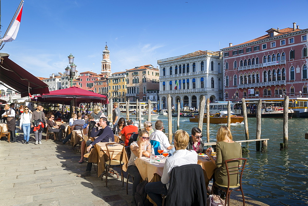 Grand Canal and restaurant, Venice, UNESCO World Heritage Site, Veneto, Italy, Europe