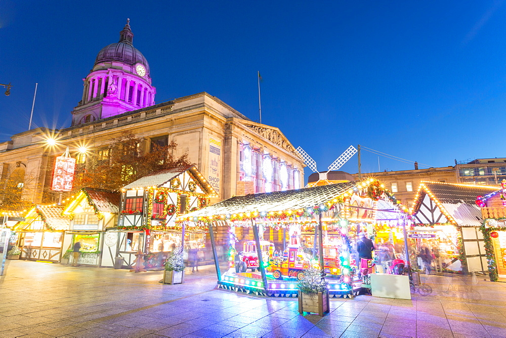 Christmas Market in the Old Town Square, Nottingham, Nottinghamshire, England, UK, Europe