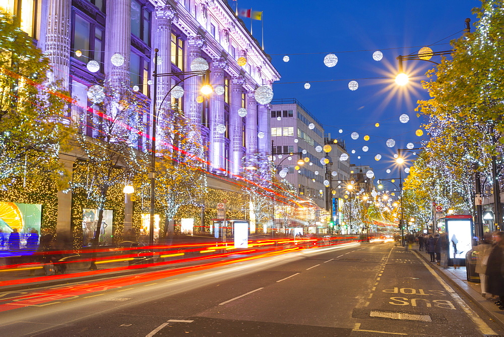 Selfridges on Oxford Street at Christmas, London, England, United Kingdom, Europe - 844-9694