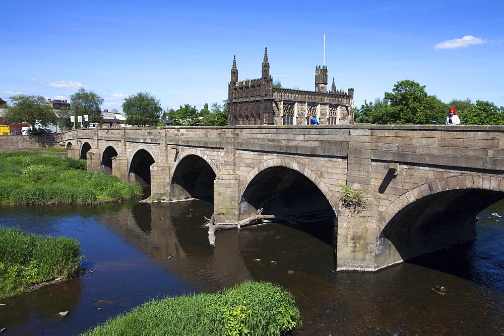 Wakefield Bridge and the Chantry Chapel, Wakefield, West Yorkshire, Yorkshire, England, United Kingdom, Europe