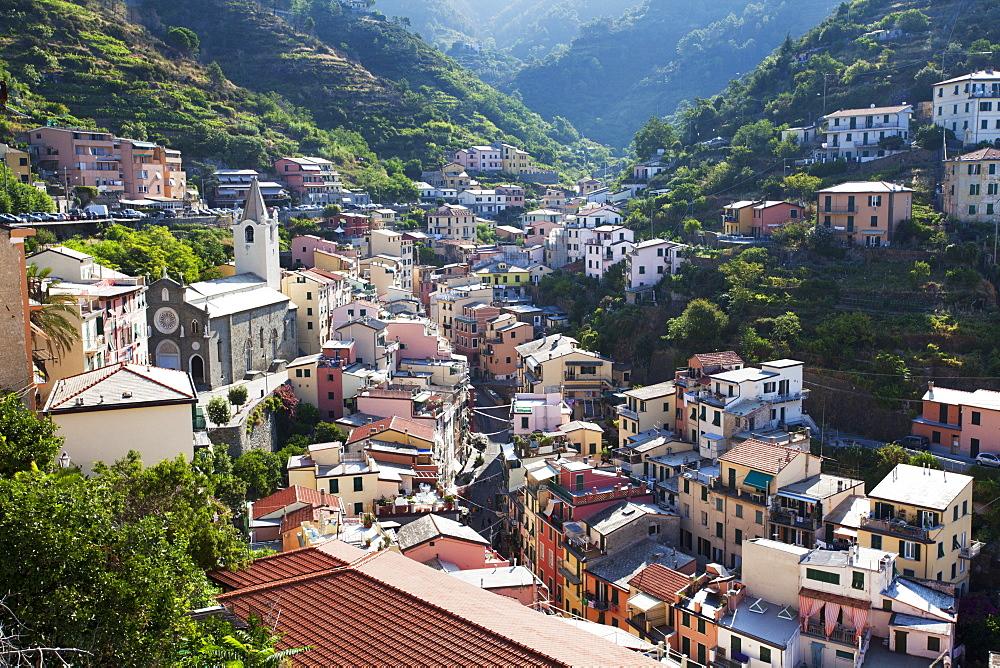 Riomaggiore rooftops with the Church of St. John the Baptist, Riomaggiore, Cinque Terre, UNESCO World Heritage Site, Liguria, Italy, Europe