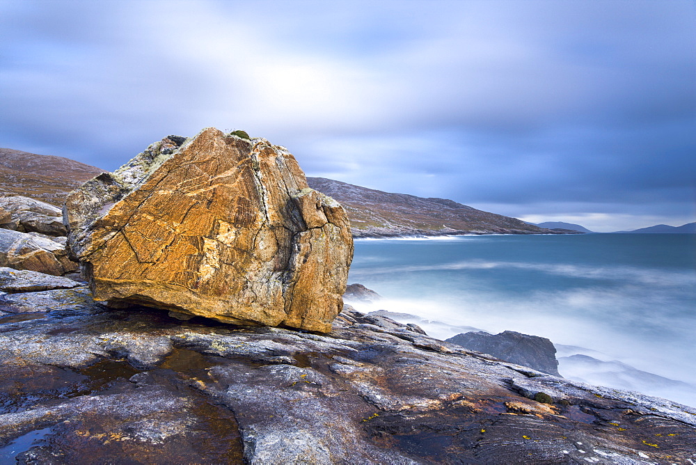 Giant Lewisian gneiss rock on a showery evening at Mealista on the south west coast of Lewis, Isle of Lewis, Outer Hebrides, Scotland, United Kingdom, Europe - 847-283