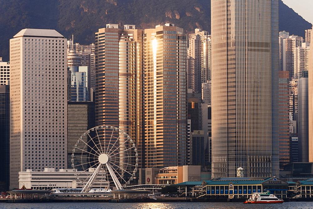 Dawn over Hong Kong Central skyline, Avenue of Stars, Tsim Sha Tsui Waterfront, Kowloon, Hong Kong, China, Asia