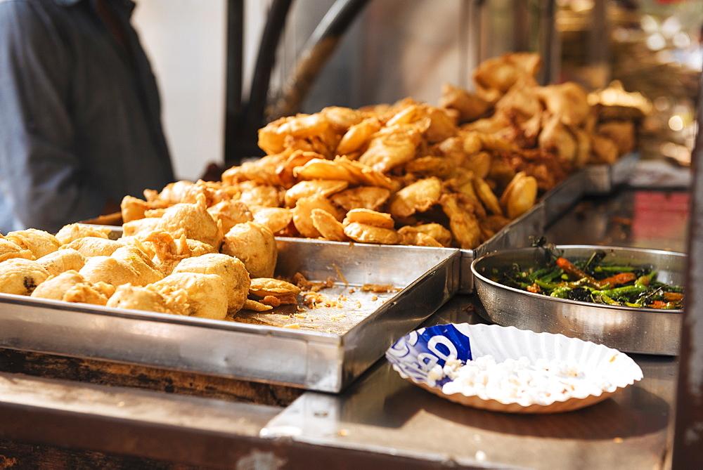Street food stall, Mumbai (Bombay), India, South Asia